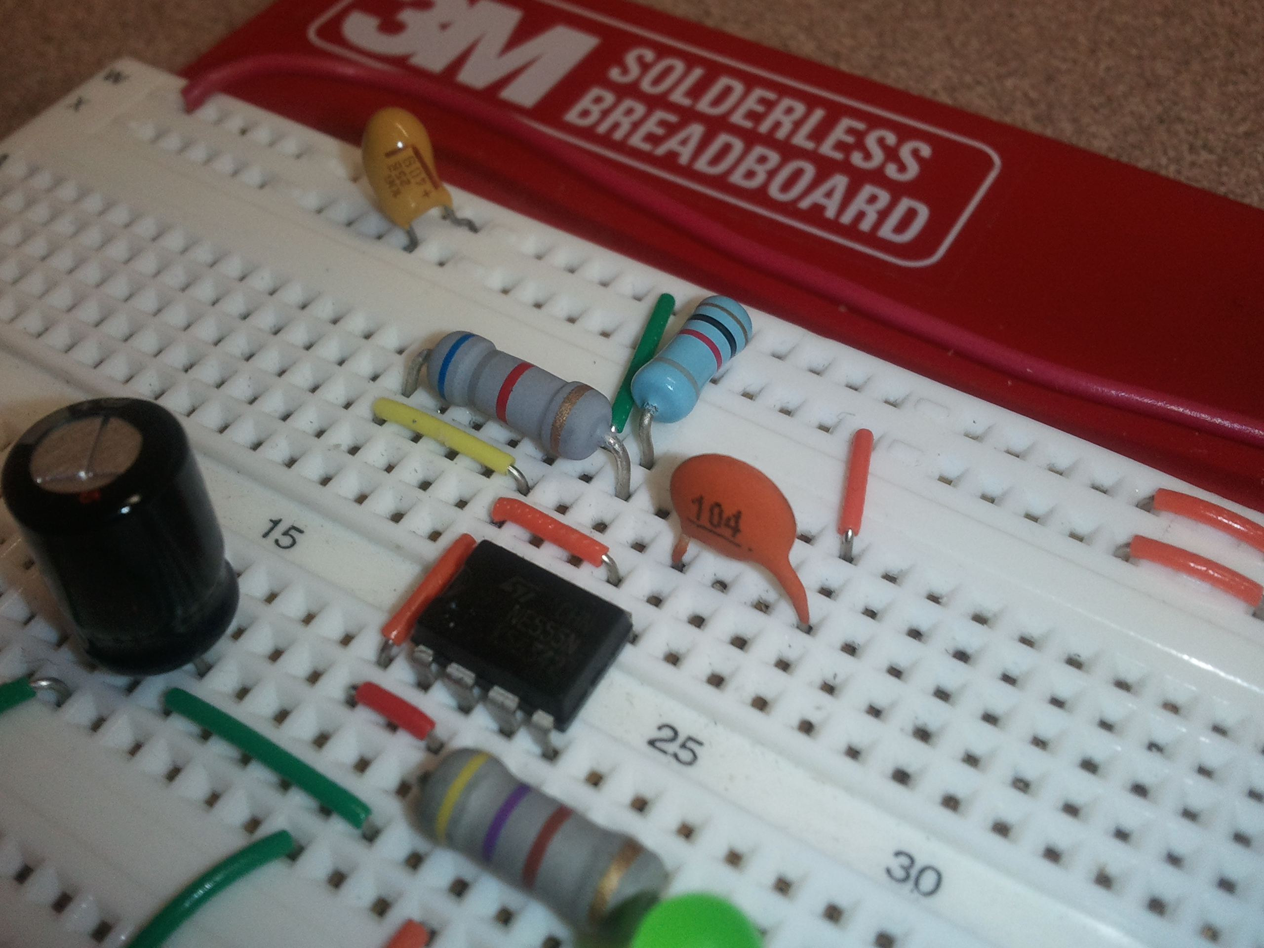 Introduction To Breadboarding The Paleotechnologist 555timer Alternating Blinking Led Circuit Issue 100uf Cap And